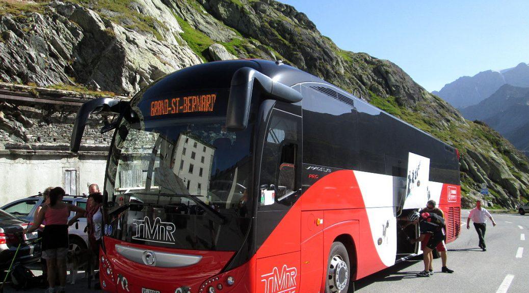 Linienbus am St-Bernard-Pass
