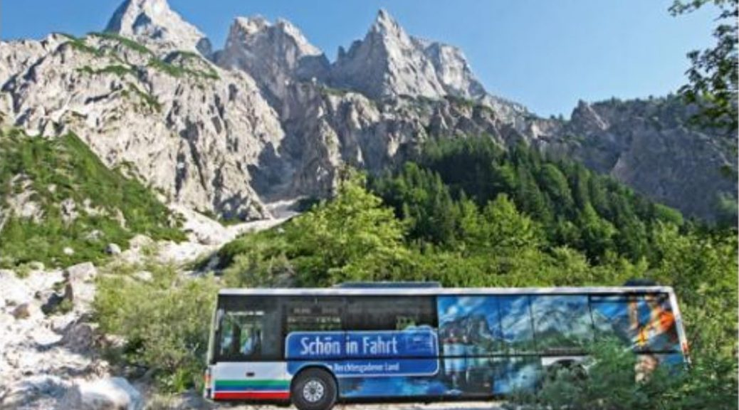 Bus in den Bergen bei Berchdesgaden
